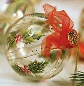 ~ Classic ~ go to original site and find more examples of clear ornament creations - Gifts 4 Others ~ Painted Christmas Ornaments, Hand Painted Ornaments, Christmas Baubles, Holiday Ornaments, Handmade Christmas, Christmas Holidays, Christmas Decorations, Ball Ornaments, Christmas Projects