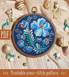 Easy Cross Stitch Patterns, Simple Cross Stitch, Cross Stitch Charts, Cross Stitches, Embroidery Hoop Art, Cross Stitch Embroidery, Embroidery Ideas, Rosemaling Pattern, Flower Patterns