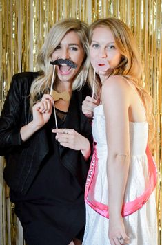 Tips on how to make sure your Hotel Bachelorette Party is extra special! Decor ideas, money-saving tips, and easy DIY hotel room transformation tricks! Hotel Bachelorette Party, Golden Girls, Photo Booth, Bridal, Pretty, Wedding Stuff, Tips, Collection, Food