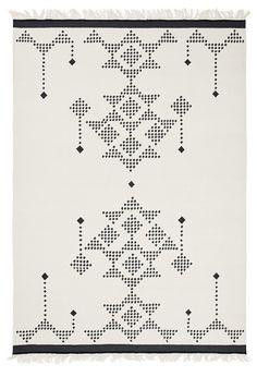 Lua / Linie Design / Rugs / handmade / danish design / nordic design / nordic living / Interior / design / home decor // # nordicliving # interiordesign # handloom Marbella Villas, Black White Rug, Nordic Living, Nordic Design, House Doctor, Danish Design, Handmade Rugs, Lana, Hand Weaving