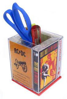 upcycle: 4 cassette tape cases + 1 floppy disk = desktop holder or decor