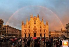 Literally one of the most amazing pics I ever seen by vernariky Milan Cathedral, Barcelona Cathedral, Duomo Milano, Rainbow Images, Somewhere Over, Beautiful Places In The World, Beautiful Things, Amazing Pics, Twitter