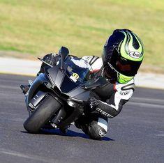 Badass Motorcycle Art by kohlenstofffasermonster - Sport Bikes and stunt life - Motorcycle Racers, Moto Bike, Motorcycle Art, Bike Art, Badass, Harley D, Bike Photoshoot, Cool Anime Guys, Bike Rider