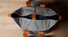 """cube tote ____  by: hardgraft"""