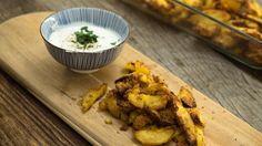 Das perfekte Knusprige Knoblauch-Kartoffeln-Rezept mit Video und einfacher Schritt-für-Schritt-Anleitung: Das Olivenöl in eine feuerfeste Form geben. Den…