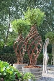 Sculpted plaited willow tree