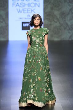 Love this bottle green floor length outfit by Gaurang #LIFW #LIFW2016 #summer #Frugal2Fab