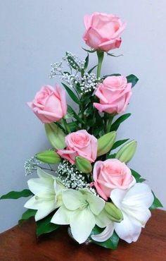 Basket Flower Arrangements, Tropical Flower Arrangements, Modern Floral Arrangements, Creative Flower Arrangements, Flower Arrangement Designs, Ikebana Flower Arrangement, Funeral Flower Arrangements, Rose Arrangements, Beautiful Flower Arrangements