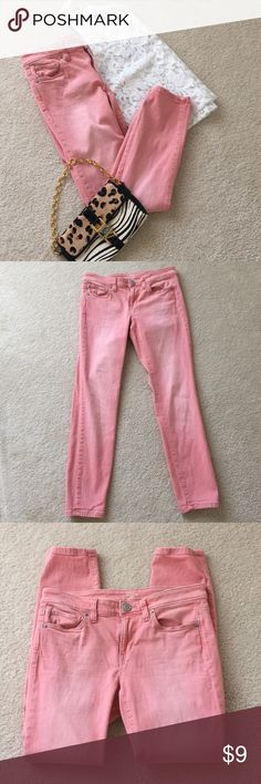 "Loft Modern Skinny Ankle Jeans 5 pocket Ann Taylor Loft 5 pocket Skinny Ankle Jean in a pretty soft Pink. Modern fit with a 27"" waist size 4. 26"" inseam. Excellent condition! LOFT Jeans Skinny"