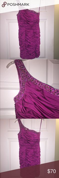 La femme pink dress Worn once! Size 2, has built in bra padding, zipper on size, looks way better on (see pictures) gorgeous open back! La Femme Dresses Prom