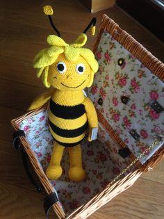Häkelanleitungen - Biene Maja, Amigurumi, Häkelanleitung, Anleitung - ein Designerstück von Saelbstgehekelt bei DaWanda