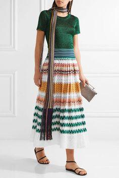 Crochet multicolore S'enfile simplement 80 % rayonne, 18 % coton, 2 % polyester ; doublure : 97 % soie, 3 % élasthanne Nettoyage à sec Fabriquée en Italie