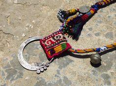 Collar étnico pendiente de hmong y de uzbek de por EthnicTree