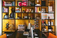 28-decoracao-escritorio-office-estante-osb-nichos