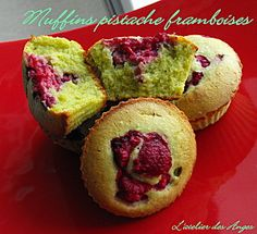 Muffins pistache-framboise Bon Dessert, Dessert Bars, Candy Recipes, Dessert Recipes, Macarons, Sweet Corner, Cake Factory, Bread Cake, Cooking Time