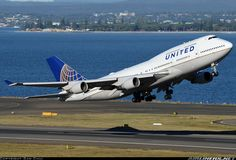 United Airlines N105UA Boeing 747-451 aircraft picture