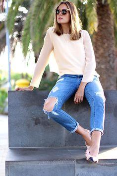 Como combinar zapatos estilo #Chanel. #marilynscloset #moda #fashion  http://www.marilynsclosetblog.com/2017/10/classic-yet-cool.html Get this look: http://lb.nu/look/8868025  More looks by Marianela Yanes: http://lb.nu/marilynscloset  #casual #classic #elegant