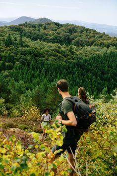 Raus in die Natur! 🌿#wandern #zeitmitfreunden Couple Photos, Couples, Mineral Water, Minerals, Hiking, Couple Shots, Couple Photography, Couple, Couple Pictures