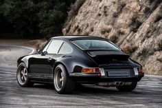 15 Beautiful Photos of a Blacked-Out Restomod Porsche 911 | Airows