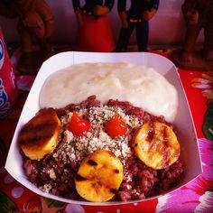 Roupa velha da Chapada Diamantina com pirão de queijo de coalho, banana da terra na chapa com manteiga do sertão e farofa crocante de castanha. #cervejaecomida #comidanordestina #foodtruck #foodtruck #guiacomidaderua #foodkombi #cervejaecomida #comidaecerveja #comidanordestina #vemcomernarua #foodtruckclub #comidaderuasp#guiacomidaderuasp #ilovefoodtruckbrasil
