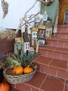 Scrap Wood Crafts, Wood Block Crafts, Driftwood Crafts, Pottery Houses, Ceramic Houses, Wood Houses, Miniature Crafts, Miniature Houses, Diy Arts And Crafts