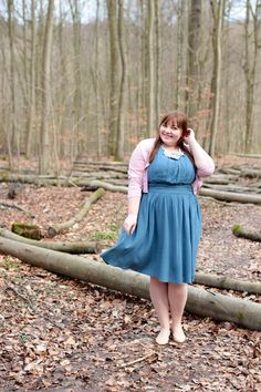 de - Plus Size Outfit in the Pantone trend colours Rose Quartz & Serenity Plus Size Skirts, Plus Size Outfits, Curvy Fashion, Plus Size Fashion, Women's Fashion, Curvy Women Outfits, Rose Quartz Serenity, Mode Inspiration, Fashion Inspiration