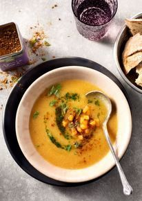 Zoete aardappel-bloemkoolsoep met Ras el Hanout