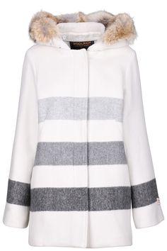 Samtweicher Mantel des amerikanischen Labels Woolrich.