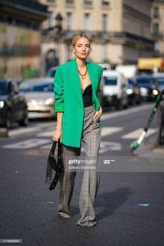 Quirky Fashion, Green Fashion, Colorful Fashion, Look Blazer, Blazer Jacket, Blazer Fashion, Fashion Outfits, Green Suit Jacket, Leonie Hanne