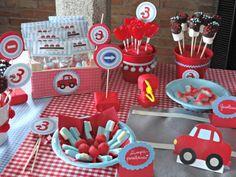 Gran Cumpleaños Mis Coches Rojos de Celebra con Ana