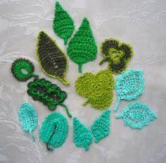 8 Crochet appliques under water scene.