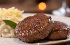 Ideas Meat Recipes Steak Filet Mignon For 2019 Meat Loaf Recipe Easy, Easy Meat Recipes, Steak Recipes, Cooking Recipes, Carne Asada, Meat Restaurant, Portuguese Recipes, Filets, Creative Food