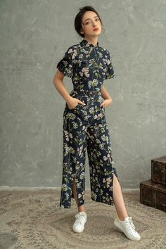 Chinese New Year Outfit, New Years Outfit, Chinese New Year Clothes, Mode Batik, Cheongsam Modern, Batik Fashion, Cheongsam Dress, Up Girl, Traditional Dresses