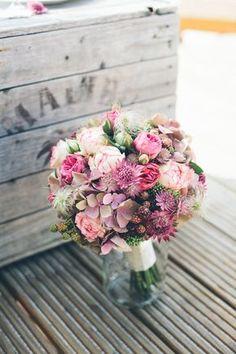 Romantischer Brautstrauß, Spätsommer Hochzeitsblumen,Herbstliche Blütenpracht von Christin Lange Fotografie www.blumig-heiraten.de