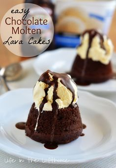 Easy Chocolate Molten Lava Cake--It& a small chocolate cake with a warm center of hot fudge, topped with a big scoop of vanilla ice cream and then drenched in chocolate magic shell. It is amazing! Easy Chocolate Lava Cake, Chocolate Recipes, Molten Chocolate, Chocolate Lovers, Lava Cake Recipes, Dessert Recipes, Just Desserts, Delicious Desserts, Molten Lava Cakes