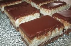 Prăjitura Bounty fără coacere • Gustoase.net Tiramisu, Biscuit, Baking, Ethnic Recipes, Desserts, Cookie Favors, Postres, Patisserie, Bakken