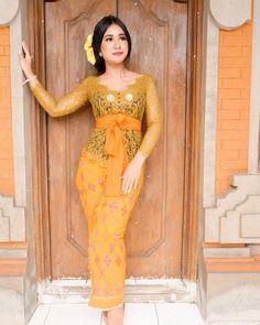 Kebaya Bali, Asian Style, Traditional Dresses, Hijab Fashion, Curvy, High Neck Dress, Filipino, Formal, Hong Kong