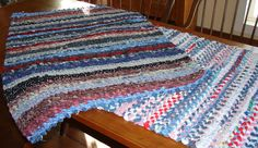 The Country Farm Home: Rag Rugs: A Delta Folk Art-rag rug with homemade frame how to