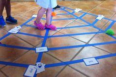 HALLOWEEN CRAFT: Spider Maze with Sight words!!! balance, coordination, motor planning!!! Kids love this!!!