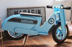 Kiddimoto Wooden Scooter like Vespa Balance bike Blue stripes Дървен мотор за балансиране Kiddimoto.