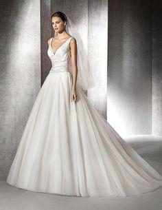 Zarek, simple wedding dress with V-neck