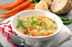 femina.cz - Slovácká zeleninová polévka Cheeseburger Chowder, Thai Red Curry, Soup, Vegetables, Ethnic Recipes, Veggies, Soups, Vegetable Recipes, Soup Appetizers