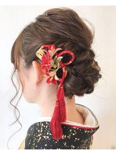 Face Hair, Hair Comb, Marie, Salons, Kimono, Hair Beauty, Drop Earrings, Elegant, Hair Styles
