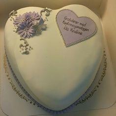 Konfirmasjonskake , cake, cakedecorating Marzipan, Fondant Cakes, Cake Decorating, App, Cake Ideas, Victoria, Instagram, Food, Eten