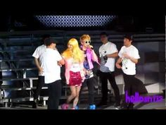110820 SHINee Key Solo ft. Taemin - My First Kiss@SHINee 1st concert in Nanjing...I find this highly amusing....still hate that Taemin looks better dressed like that than I ever would!
