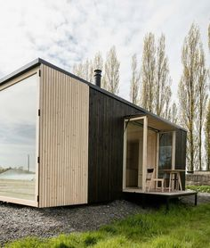 Photos and Videos 26 of 29 from project ARK Shelter Bungalow, Modular Cabins, Tiny House Cabin, Prefab Homes, Mobile Home, Big Houses, House And Home Magazine, Modern Interior Design, Architecture