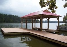I really like this dock design! If i had a waterfront property I think having a cover like this one would be amazing. I wonder if there are any other designs like this one. Lake Dock, Boat Dock, Docks Lake, Jon Boat, Minecraft, Alexander City, Lake House Plans, Lakefront Property, Custom Decks