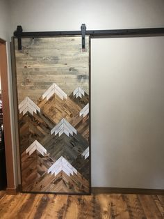 Painting For Home Decoration Product Bois Diy, Cottage Interiors, Rustic Wood, Rustic Decor, Reclaimed Wood Art, Wood Wood, Wood Wall Art, Fairy Lights, Home Projects