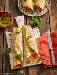 Burritos à la Toffa Tortilla Wraps, Burritos, Taco Salat, School Snacks, Tapas, Mexican, Ethnic Recipes, Chili Con Carne, Cooking Rice
