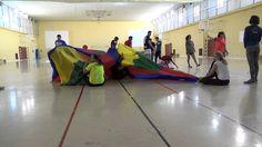 Tiburón y socorrista con paracaídas 0425 Juegos Motores #JuegosMotores #INEF #CCAFD #UGR #HPE #PhysicalActivity #PhysicalEducation #ActiveGames @Fac_Deporte_UGR @UGRdivulga